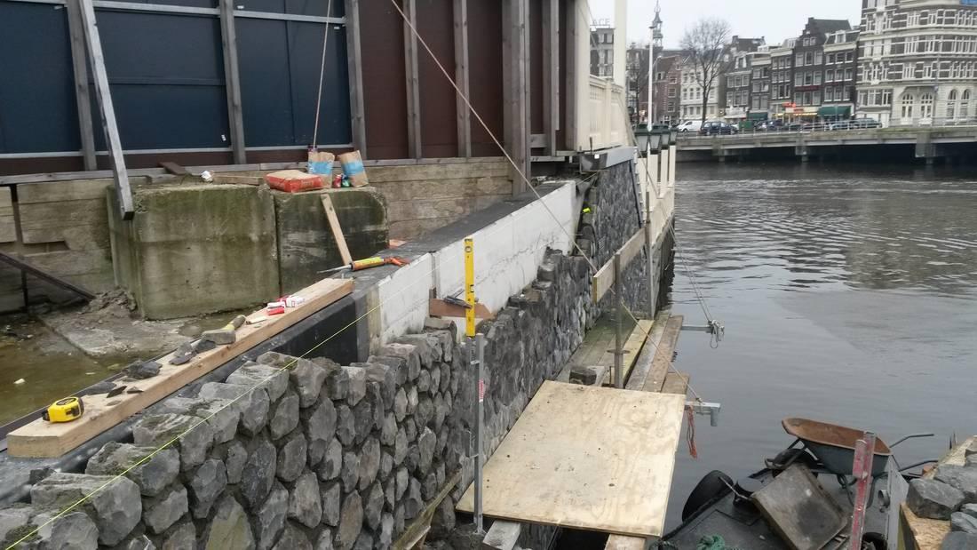 walmuur-kade-kademuur-CS-Amsterdam-Braams